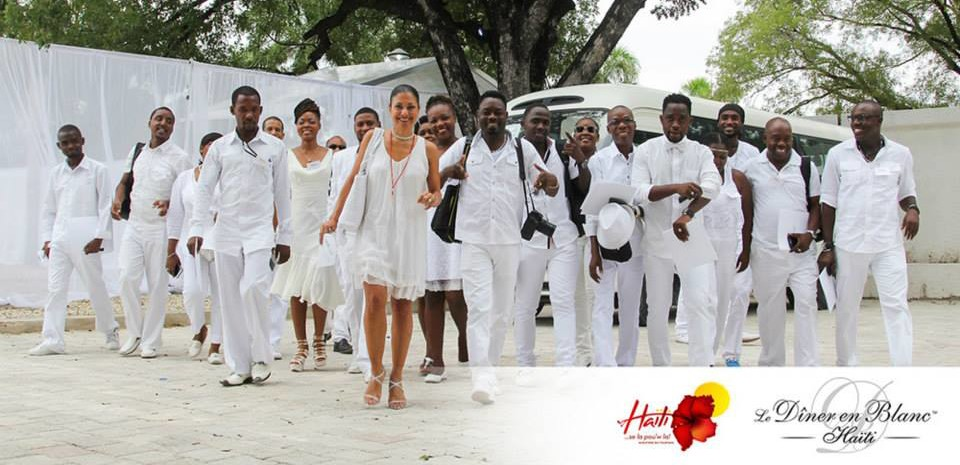 Picture courtesy of Diner en Blanc, Haiti.